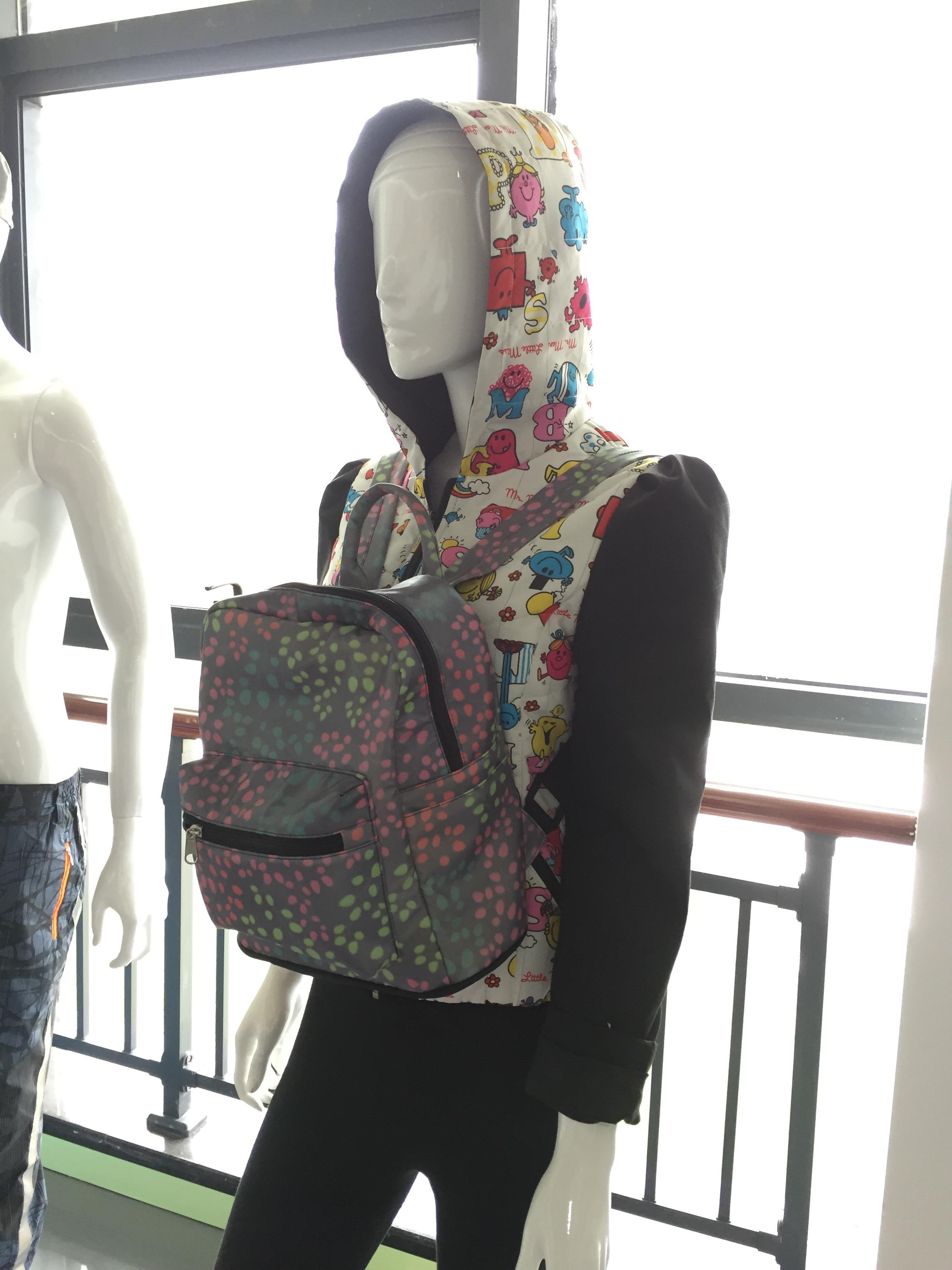 反射布のバッグ